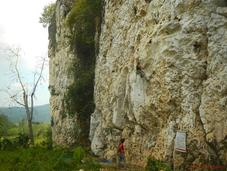 Poog Crag: Brand-New Rock Climbing Destination Tropical Paradise