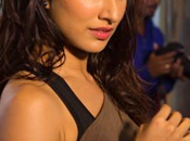 Shraddha Kapoor's ABCD2 Makeup Looks with Help Lakme