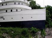 Crazy Inland Ship Boat Houses