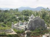DAILY PHOTO: Cemetery Next Thiên Pagoda