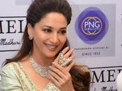Celebrity Jewelleries That Jewellers Fulfills