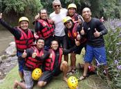 Pics! Obamas Living Their Best Life River Rafting Vacation Indonesia