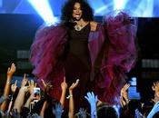 Diana Ross Proved She's Boss Sunday Night's AMA's