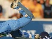 Dinesh Karthik Changes Fortune with Great Cameo Last Ball Sixer