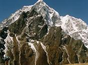 Sherpa Team Recovers Body Missing Climber Lobuche East Nepal