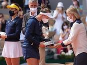 "Barbora Krejcikova Wins ""Coupe Suzanne-Lenglen"" Roland Garros 2021"