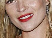 Kate Moss Marries Rocker Jamie Hince