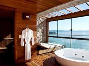 (Bath)Room With View