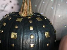 """D.I.Y. """"Edgy Chic"""" Pumpkins"""