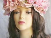 Wears Flowers Hair