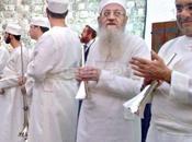 Rabbi Riskin Buys Bigdei Kehuna Calls Sacrifice Korban Pesach