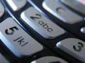 Dirty Texting: Sixth Mobile Phones Contaminated with Faecal-derived E.coli