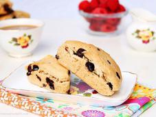 Peanut Butter Chocolate Scones (vegan)