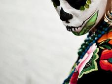 Muertos: Photography Raoul Ortega