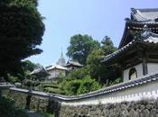 教会と寺院が共存するまち,平戸 Hirado, Combination Catholic Church Traditionally Japanese Tiled Roofs Temples